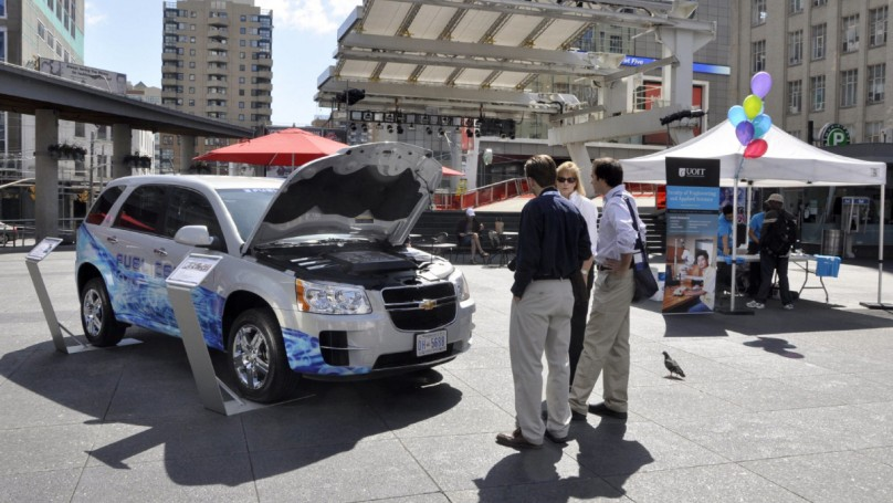 Refill stations key to success of fuel-cell vehicles