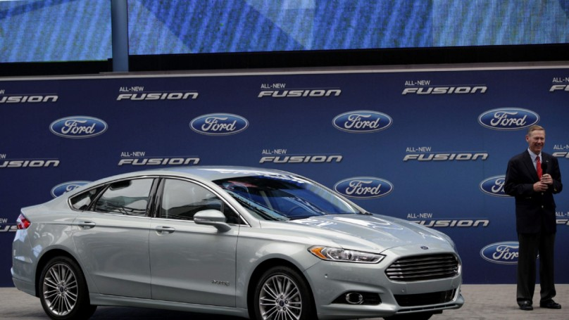 Ford Fusion Hybrid easy on the eyes and drives nice, too