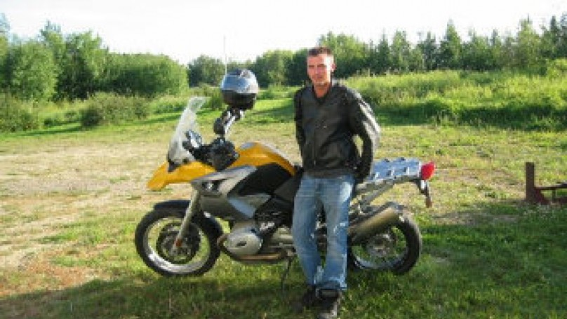 Canadians aim high in Andes motorcycle race