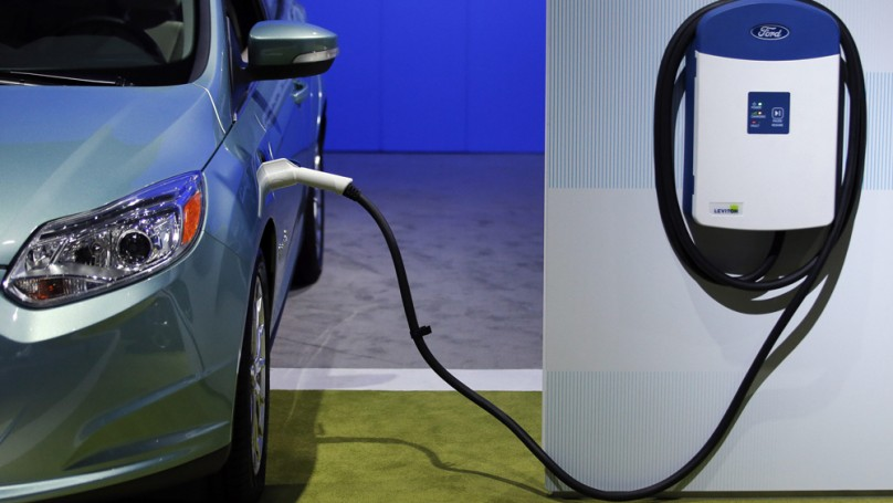Electric, hybrid, or gas? Auto industry in state of confusion