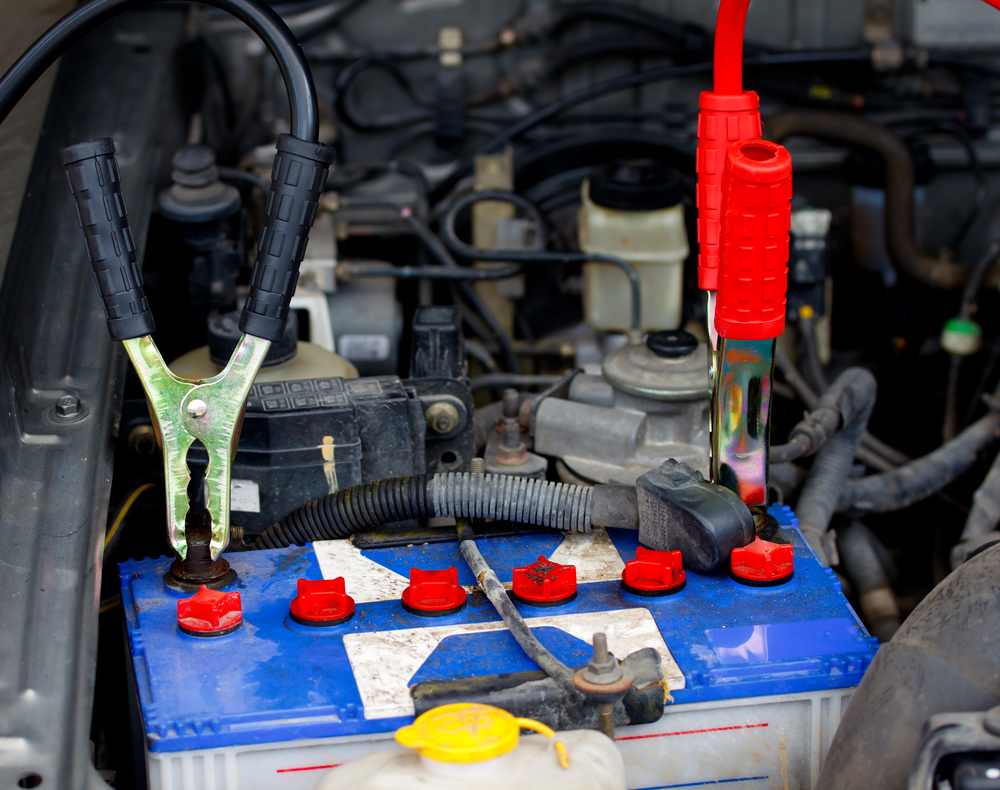 Here's how to safely jump start a dead battery