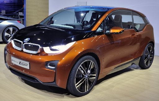 Green Wheels: BMW aims for EV with status