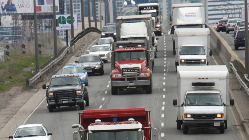 Should trucks be banned during rush hour?