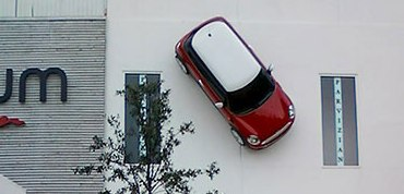 Houston tickets Mini for being parked on wall