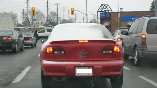 Why do motorists still drive blind in the winter?