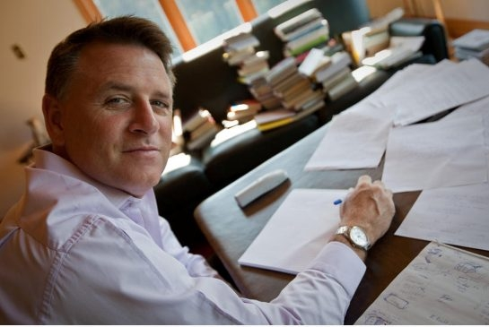 My First Car: The Wealthy Barber<br> remembers his beloved Benz
