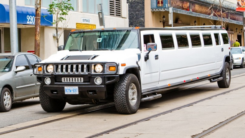 5 things you need to know <br>about renting a limo