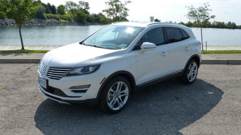REVIEW: 2015 LINCOLN MKC -A head turner with an eye for detail