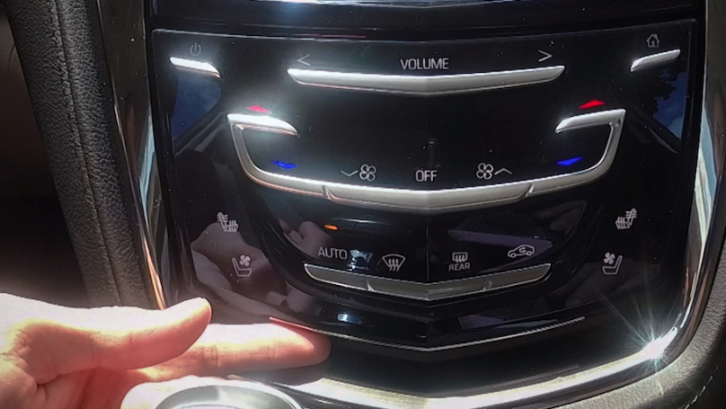 GM launching wireless phone charging to some 2015 Cadillac models