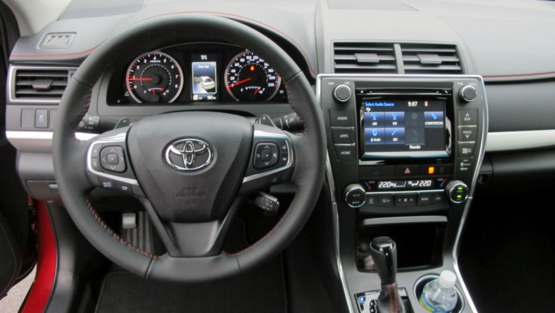 2015 toyota camry review. Black Bedroom Furniture Sets. Home Design Ideas