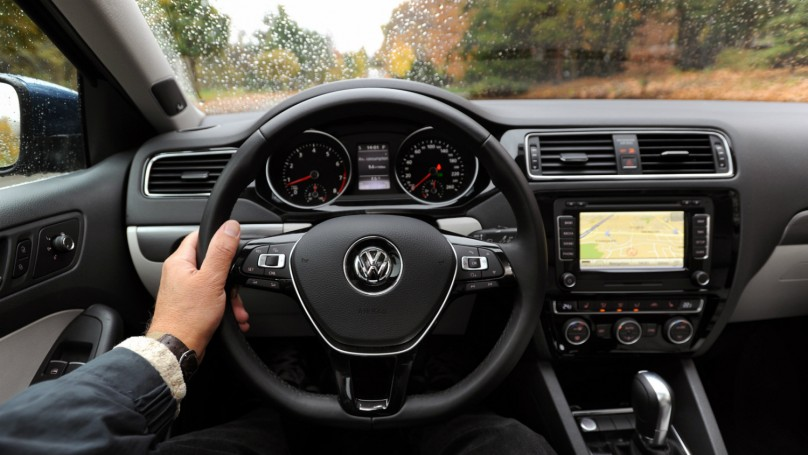 2015 Volkswagen Jetta 1 8 Tsi Highline Review Wheels Ca