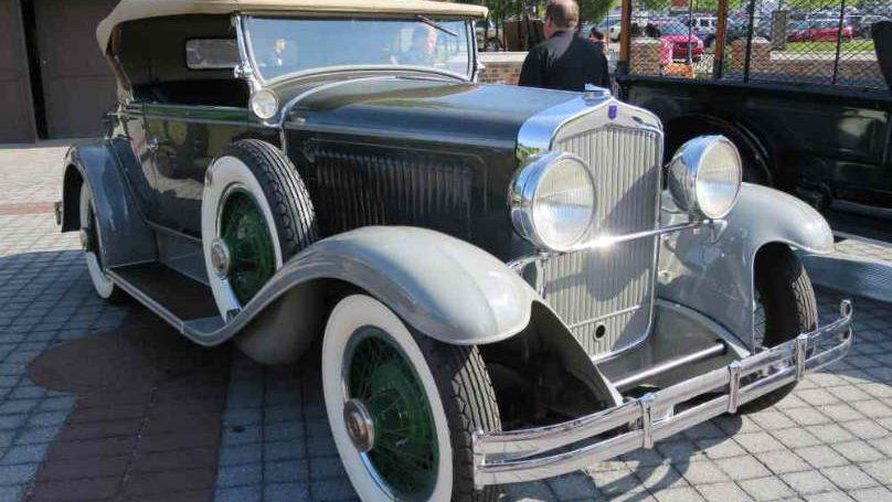 FOUR-1928-Chrysler