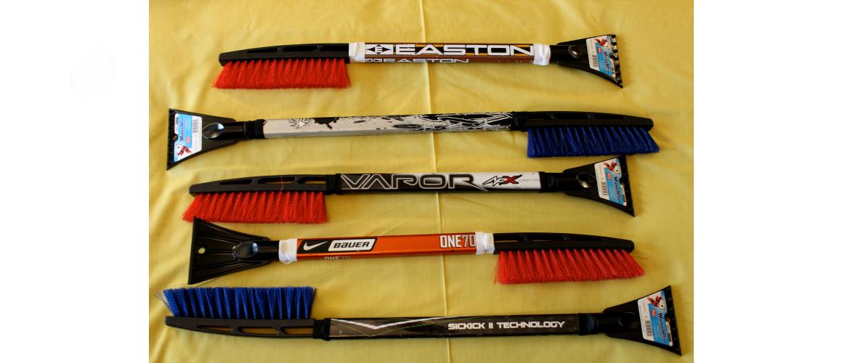 hockey-stick-snow-brush-with-ice-scraper