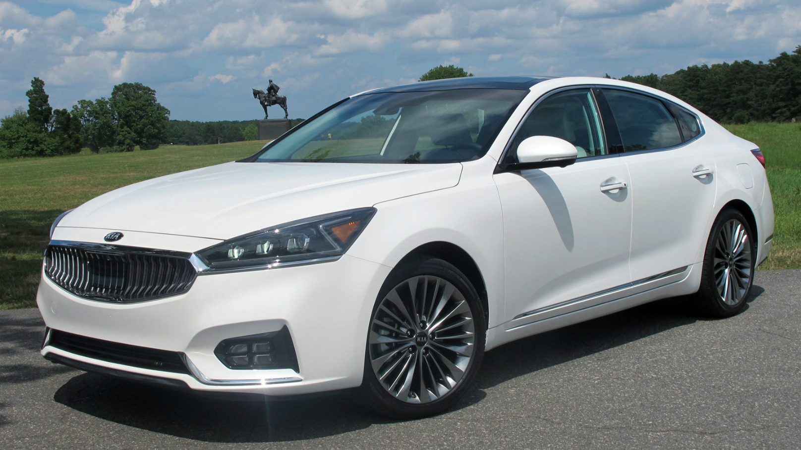Kia Cadenza 2017 pricing