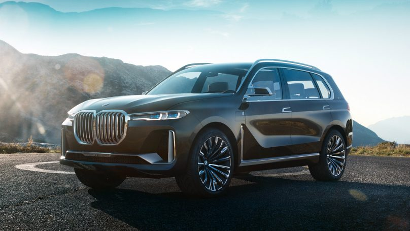 BMW displays i Vision Dynamics and X7 iPerformance at Frankfurt