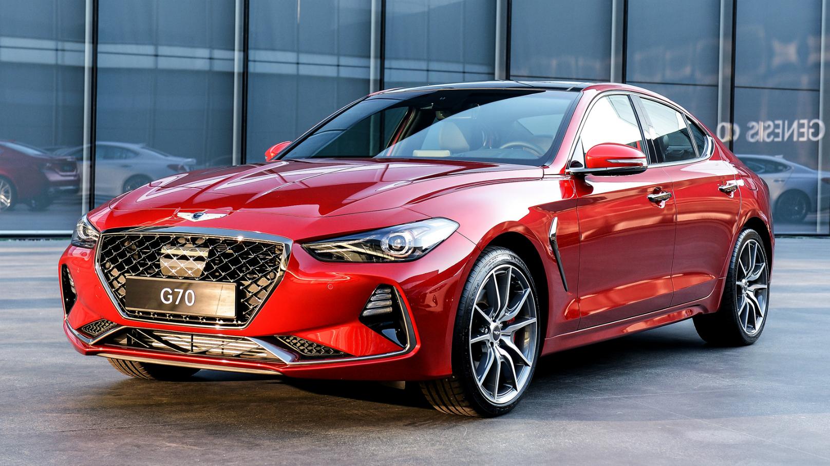 G70 Luxury Sedan