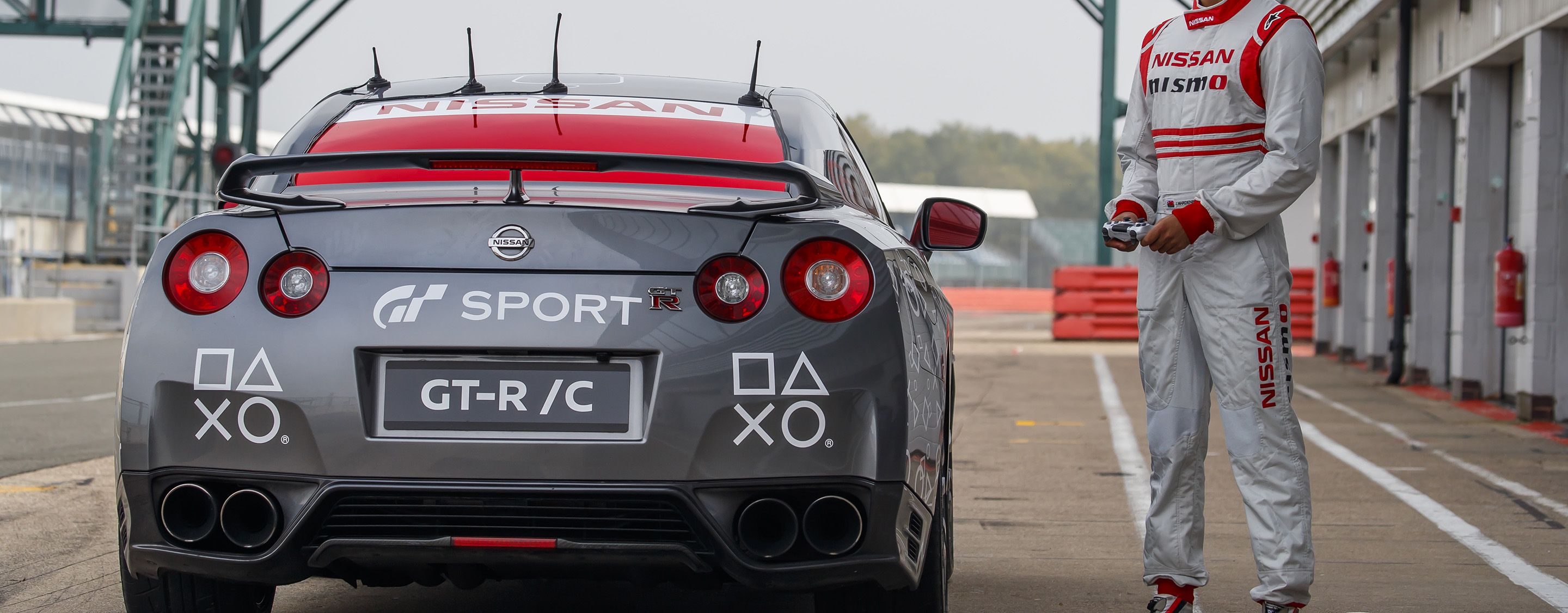 TrackWorthy - Nissan GT-R-C operated by DualShock 4 controller and Jann Mardenborough (3)