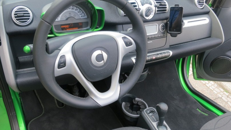 Enjoy the silence in 2013 Smart Fortwo Electric Drive