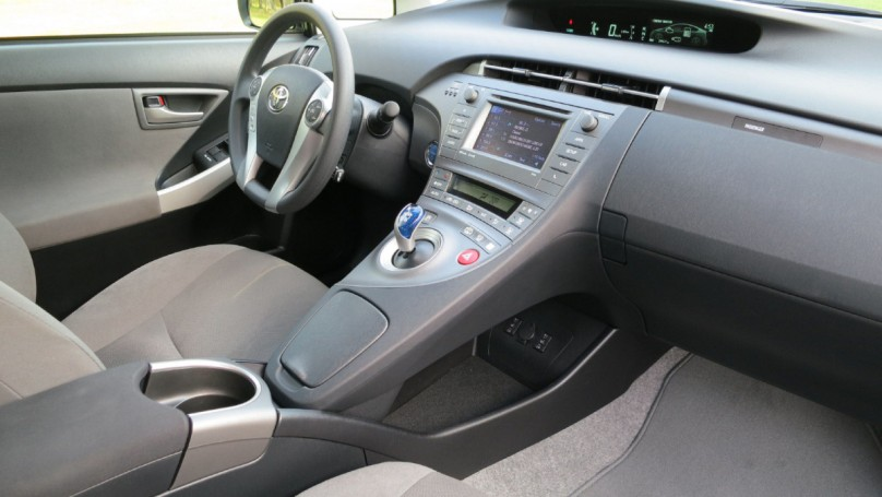 2012 Toyota Prius Plug-In: To plug or not to plug?