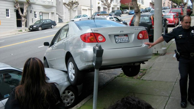 How not to parallel park on a hill