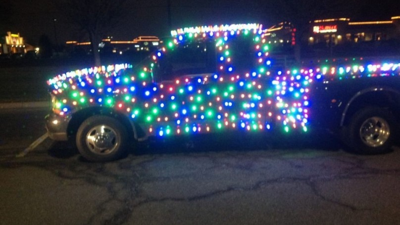 Bah, humbug! Police pull over truck decked out with 850 Christmas lights