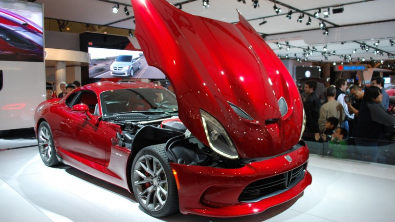 2013 Toronto Auto Show: New Viper steals the show at Chrysler booth