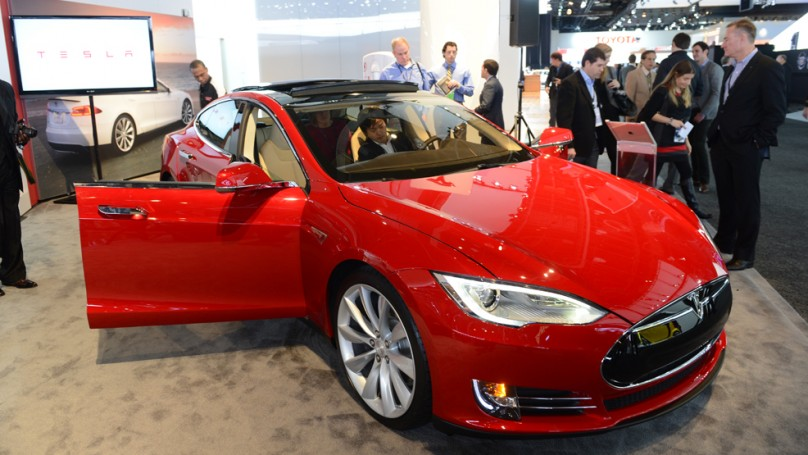 Tesla's CEO calls New York Times report on range problem a 'fake'