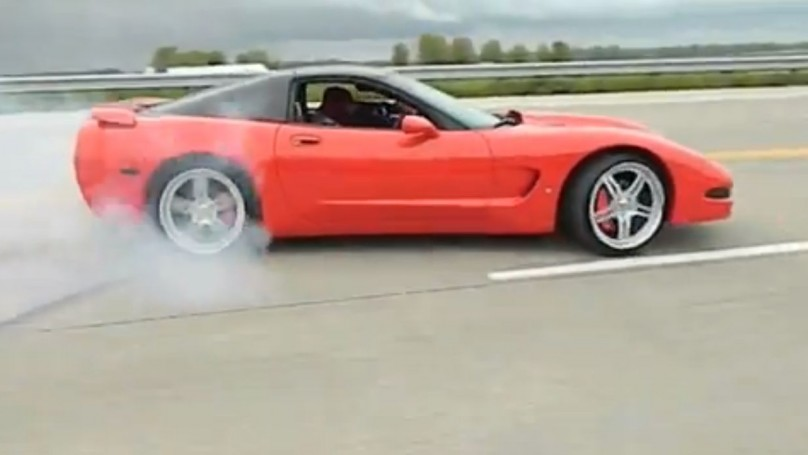 Mystery Corvette driver <br>goes for 'epic fail' record
