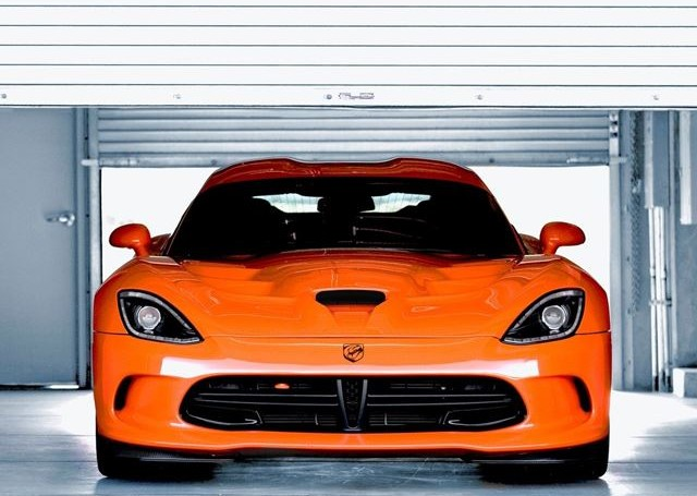 Viper SRT releases first ever TV ad, and man is it cool