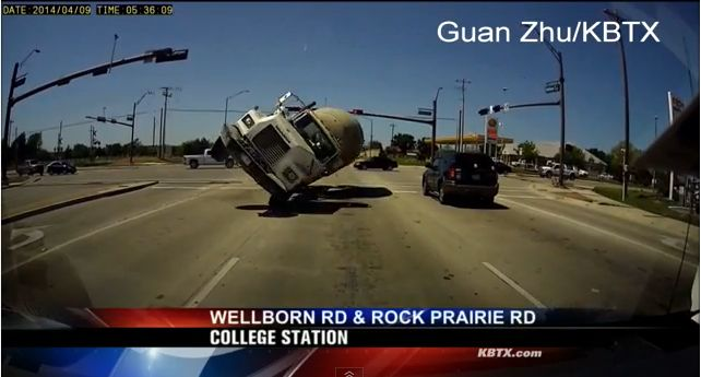 Cement Truck slams minivan caught on dashcam