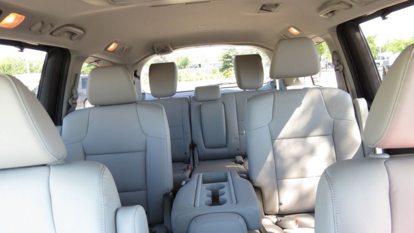Review: 2014 Honda Odyssey - Safe, quiet, comfy and very, very clean