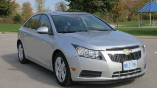 2014 Chevrolet Cruze Diesel: Chevy cruises onto VW?s turf