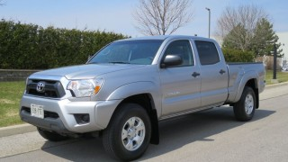 Review: 2014 Toyota Tacoma - Small truck needs a big makeover