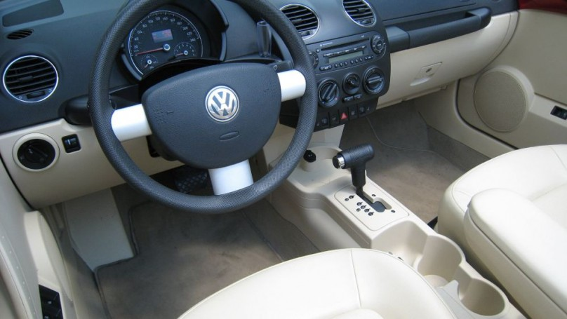 2006-10 Volkswagen New Beetle: Hip, fun and cute, but not all that reliable