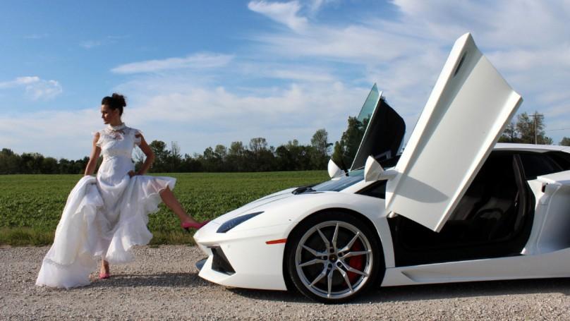 Mini vs. Lamborghini