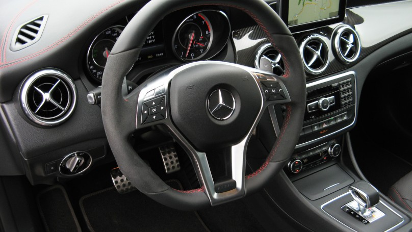 2015 Mercedes-Benz GLA Lineup - New Compact Crossovers with Class