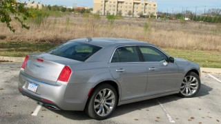 2015 Chrysler 300 Review