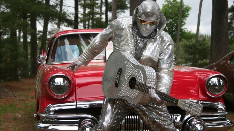 Elvis at the Gravenhurst Car Show