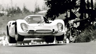 Porsche honours Elford