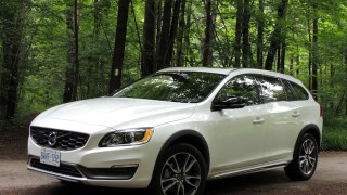 Volvo V60 Cross Country 2015-main