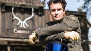 orlando bloom with his motorcycle