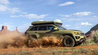 Jeep Concepts-Overlander-action