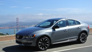 2016 Volvo S60 Cross Country-02 B