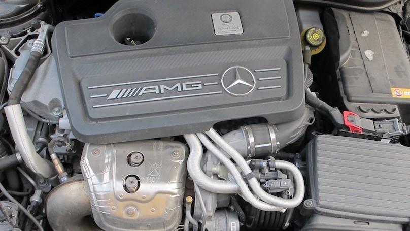 M-B GLA 45 AMG engine