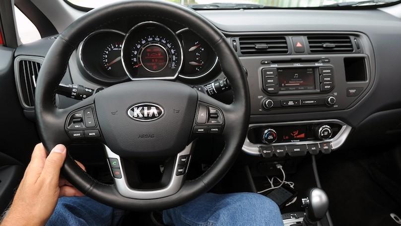 Kia Rio 5-door 2015-interior