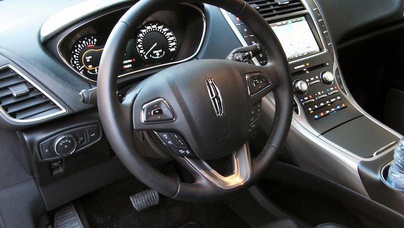 Lincoln MKX 2016-interior