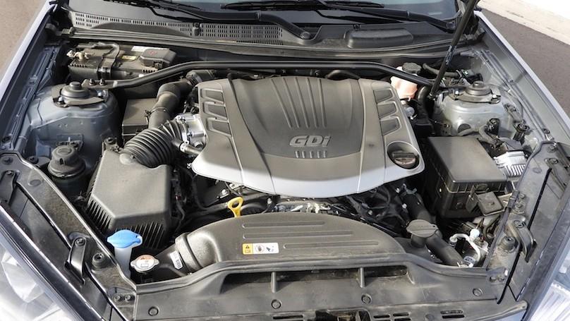 Hyundai Genesis R-Spec engine