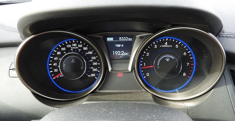 Hyundai Genesis R-Spec gauges