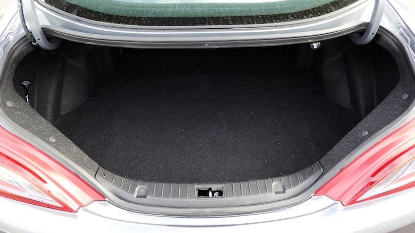 Hyundai Genesis R-Spec trunk