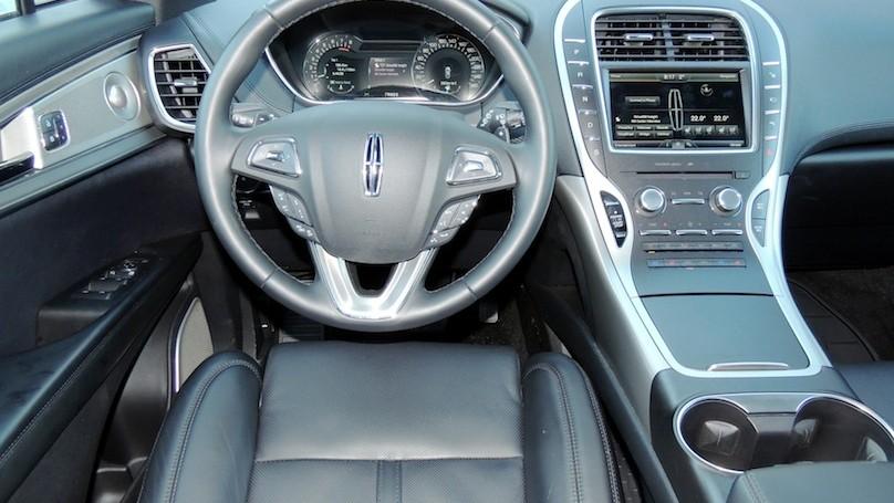 Lincoln MKX 2016 - interior